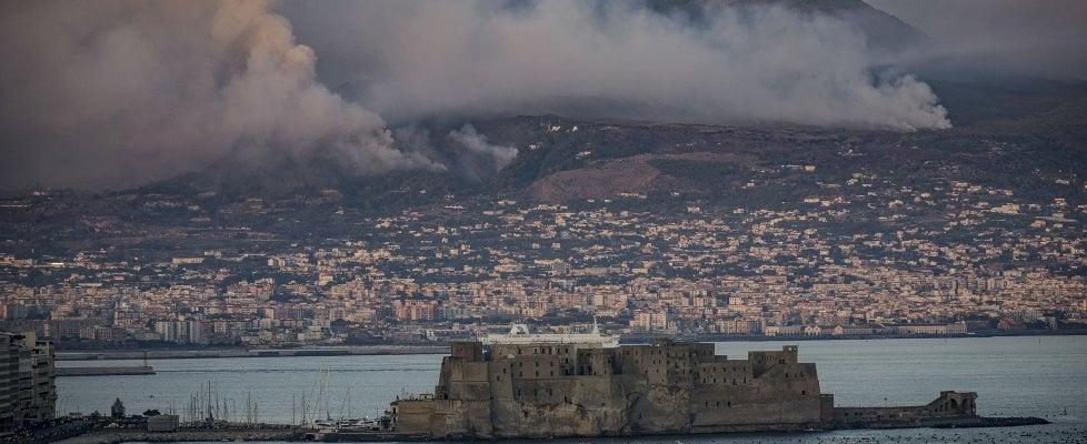 Se a Napoli il vulcano risveglia la paura
