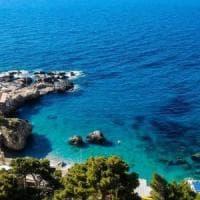 """No all'assalto dei diportisti, Capri difende lo"""" scoglio delle sirene"""""""