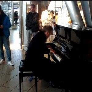 Piazza Garibaldi: addio al pianoforte nella stazione