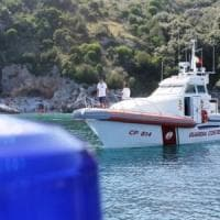 Incidente in mare, barca contro gommone in Costiera: morto un settantenne