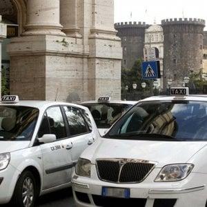 """Taxi, scattano i rincari. La corsa costerà di più: """"Solo adeguamenti"""""""