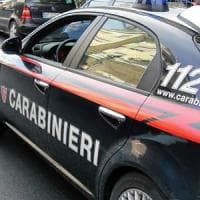 Investe con auto ex compagna e fugge nel Napoletano