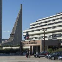 Napoli, scippatore fugge e si nasconde in Tribunale: arrestato