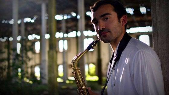 E' Salernitano l'unico musicista italiano alla corte del Cirque du Soleil