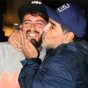 Maradona avrà un nipote napoletano. Suo figlio Diego jr ...