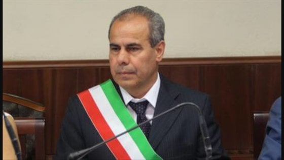 Corruzione e appalti, arrestato sindaco