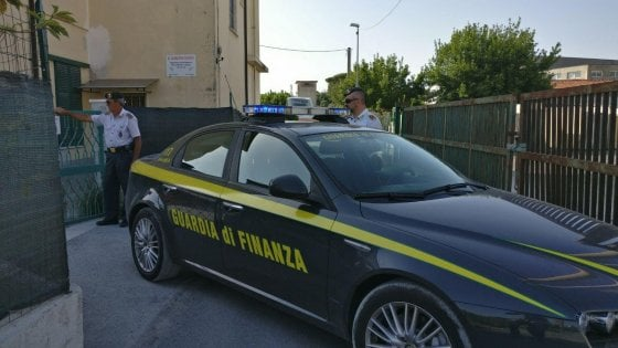 Napoli, dirigente della Asl Napoli tre arrestato