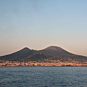 Vesuvio: duemila abusi, 55 demolizioni