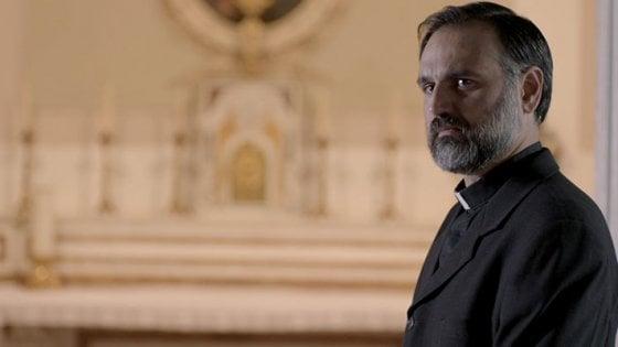 """Mimmo Borrelli alla Mostra di Venezia: """"Una storia di preti e di violenza"""""""