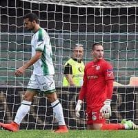 L'ex Verde elimina l'Avellino (3-1), nuovi cori razzisti dei tifosi del Verona