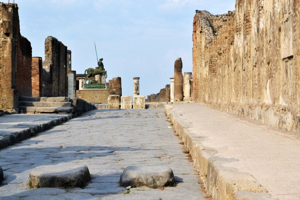 Pompei, stranieri e turisti tra le Domus. Il Ferragosto è una festività nata nell'antica Roma