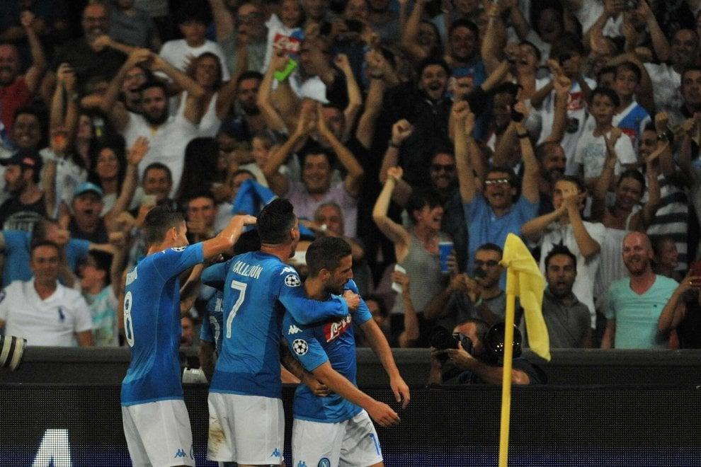 Napoli-Nizza: in curva B lo striscione contro la misura che vieta trasferta ai tifosi