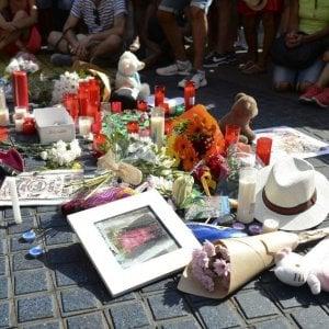 """Barcellona, rientrano a Napoli i turisti campani: """"Vivi grazie a Picasso"""""""