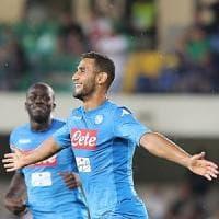 Napoli, esordio sprint: travolto il Verona