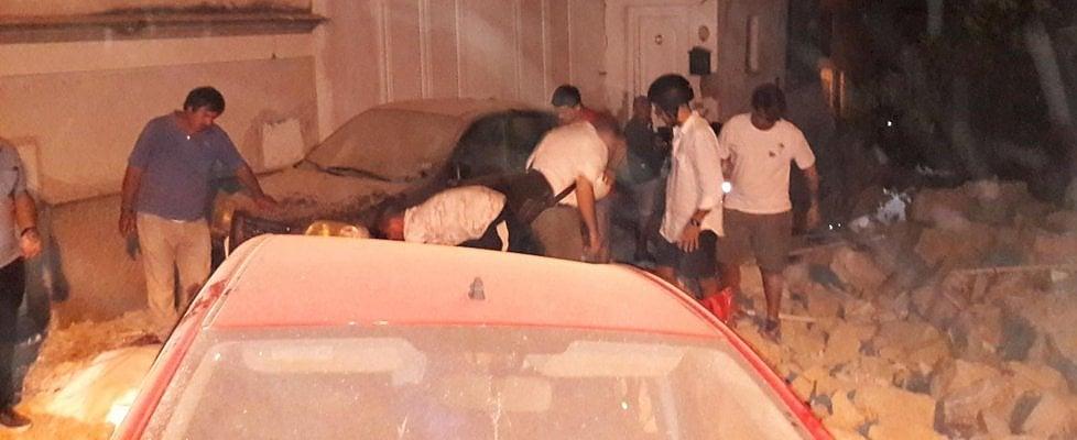 Terremoto a Ischia, due vittime. Crolla abitazione, famiglia tratta in salvo. I feriti sono 42