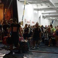 Terremoto Ischia, i turisti in fuga dall'isola nella notte