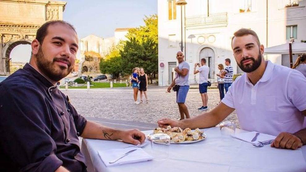 "Nasce la pizza gourmet dedicata a Benevento: ecco la ""Noce d'oro"""