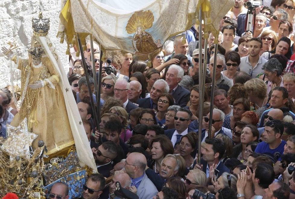 Guardia Sanframondi, in 90mila per la processione finale dei Riti Settennali