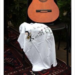 """""""Settembre al Borgo"""", una t-shirt per Fausto Mesolella"""