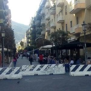 Salerno, barriere antiterrorismo blindano il centro