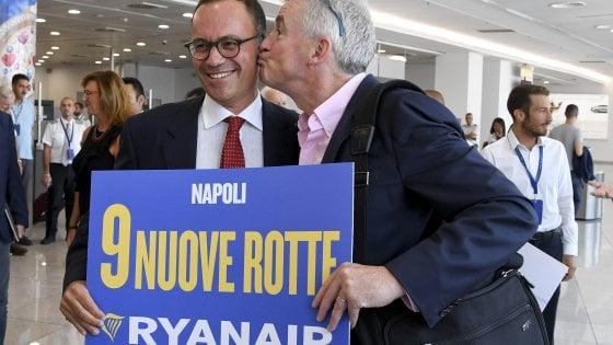 Ryanair punta su Napoli: show di Michael O'Leary all'aeroporto