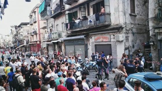 Napoli, la camorra torna a sparare: duplice omicidio in pieno giorno