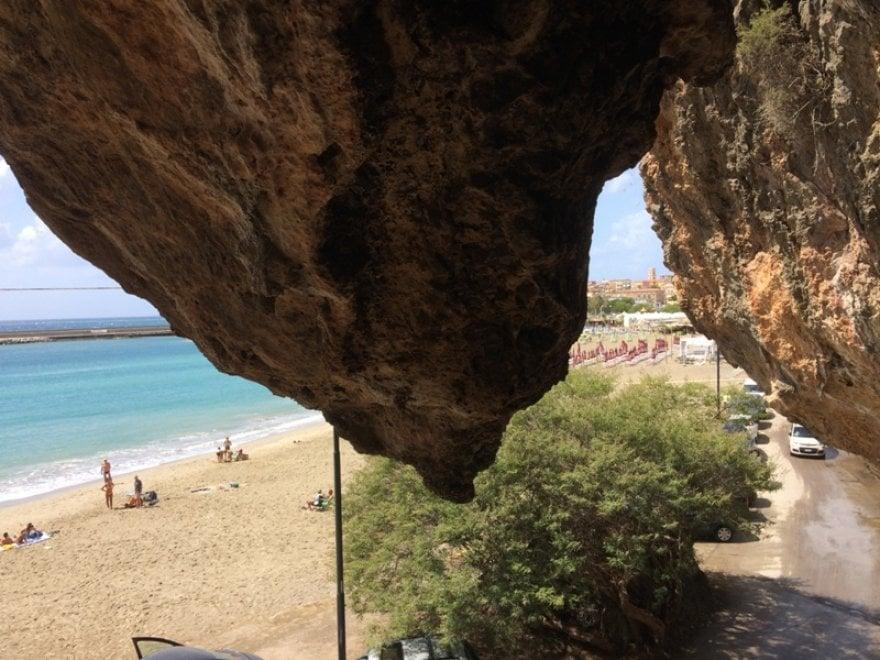 Cilento, nuova campagna di scavo nella grotta della Cala: si cercano volontari