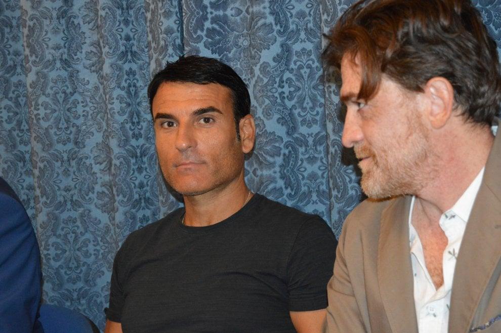 Castellammare torna la rassegna di teatro al supercinema - Pomo porta fortuna ...