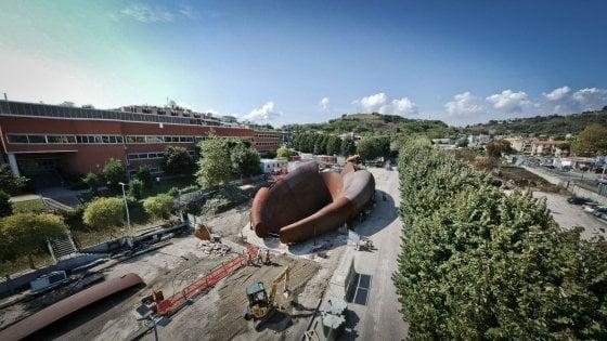 Napoli, a Monte Sant'Angelo pronta la scultura di Anish Kapoor