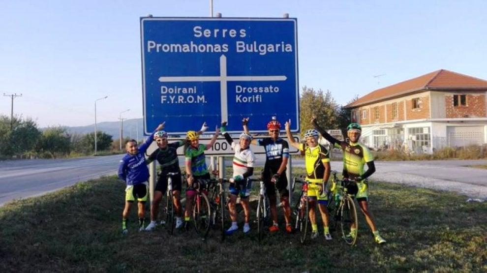 In bici in Bulgaria per valorizzare la propria terra, la missione di quattro ciclisti campani