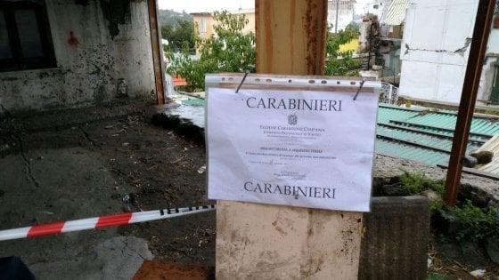 Ischia: sequestri dei carabinieri nelle 'zone rosse'