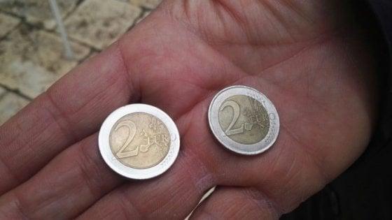 Fanno una rapina e vengono arrestati: il bottino è di due euro