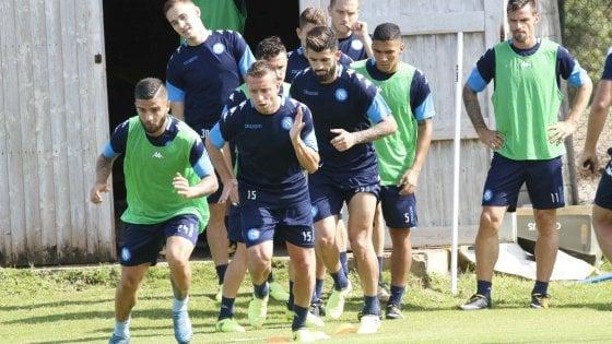 Il Napoli perde Chiriches: infortunio contro il Bologna