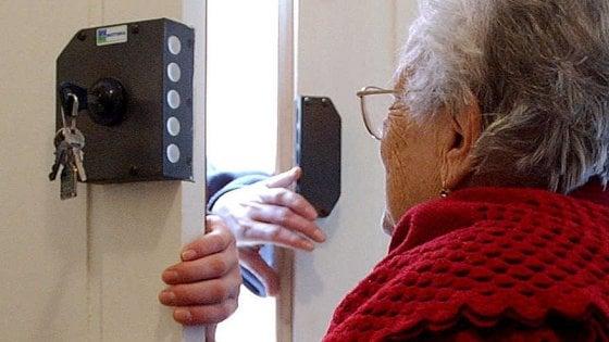 """Truffe agli anziani, il questore Napoli: """"Anche mia madre è stata una vittima"""""""