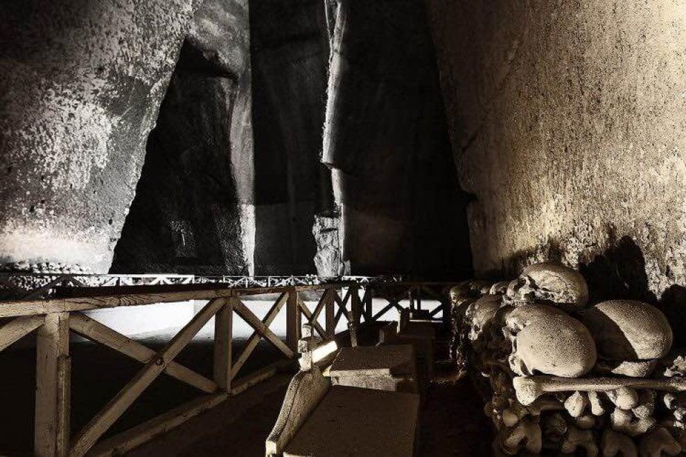 Napoli, chiuso il cimitero delle Fontanelle per ragioni di sicurezza