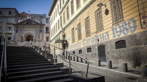 Scuola: esclusi bambini non vaccinati dall'istituto D'Aosta-Scura nei Quartieri Spagnoli