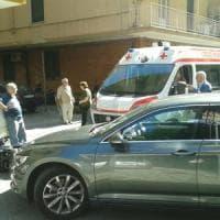 Auto del presidente De Luca investe una ragazza in motorino a Salerno
