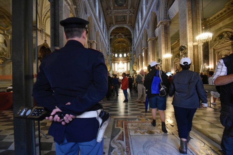 Terrorismo: polizia e new jersey a Napoli per la festa di San Gennaro