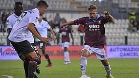 La Salernitana strappa il pari (1-1) sul campo della Pro-Vercelli e salva Bollini