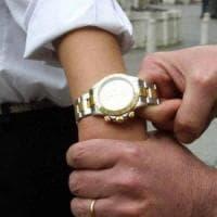 Napoli, scippato un Rolex del valore di 10 mila euro