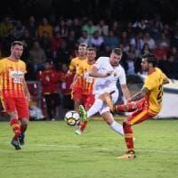 Dzeko condanna il Benevento alla quinta sconfitta consecutiva