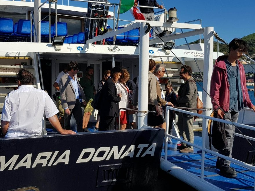 Ischia, tutti sulla nave per la riprese del film di Muccino