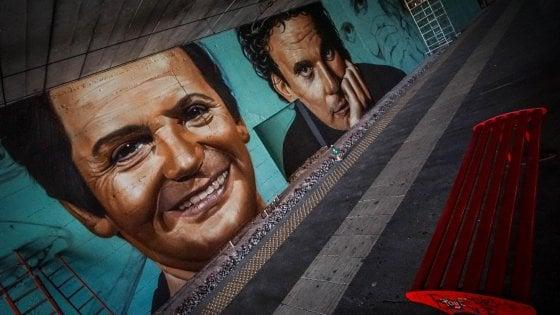 Street Art nelle stazioni Circum, martedì 3 ottobre inaugurazione del murale dedicato a Troisi e Noschese a San Giorgio a Cremano