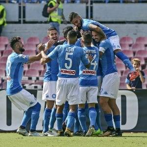 È un Napoli senza limiti: spettacolo, gol e vittorie da solo al primo posto con numeri da scudetto