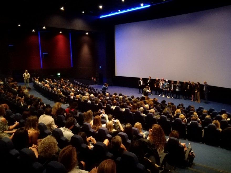 """Napoli, """"Ammore e malavita"""" fa il pieno di spettatori in sei cinema"""