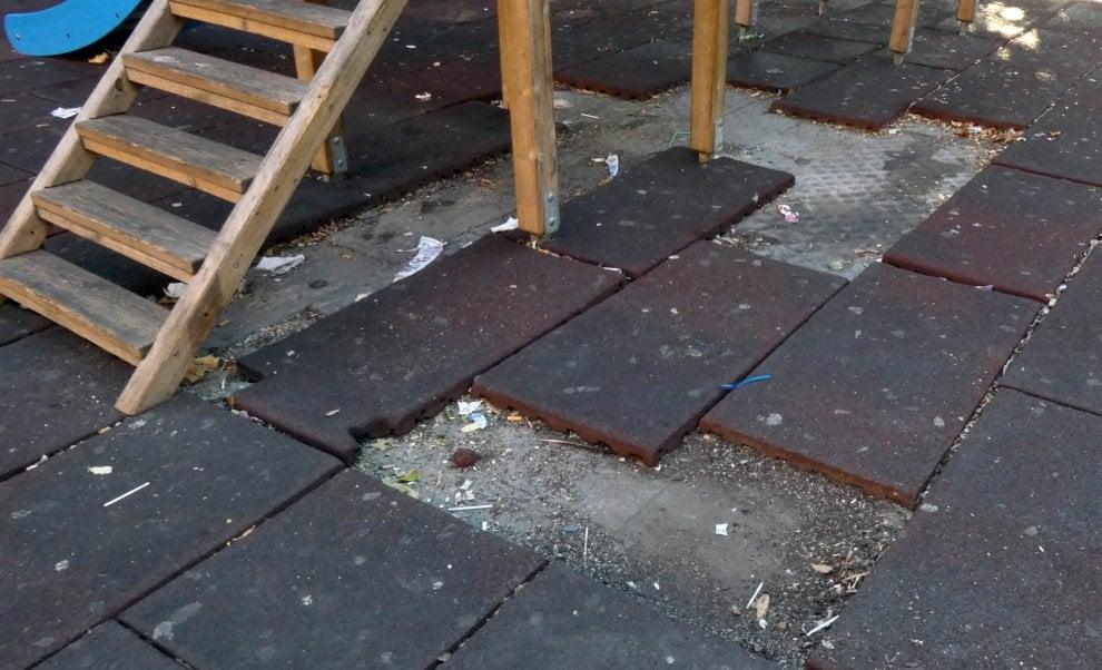 """""""Piazza Cavour soffoca nel degrado"""", la denuncia del Comitato Diritti essenziali"""