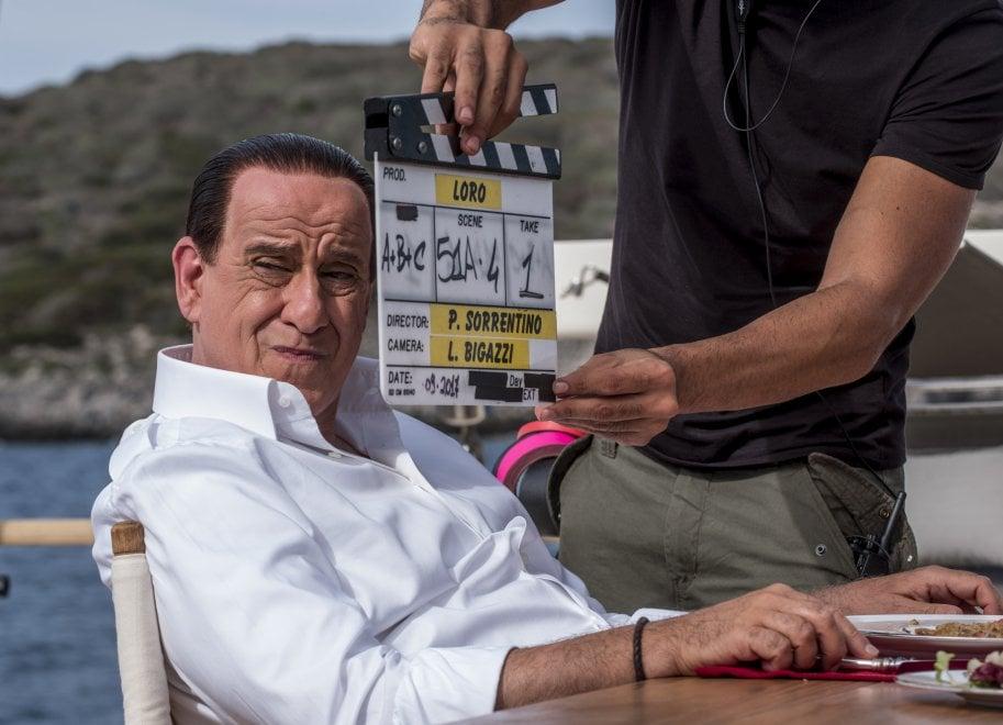 Toni Servillo è Berlusconi, dirige Paolo Sorrentino. Ecco la prima foto dal set