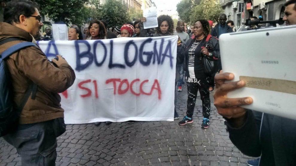 Napoli, sciopero del mercato etnico di via Bologna