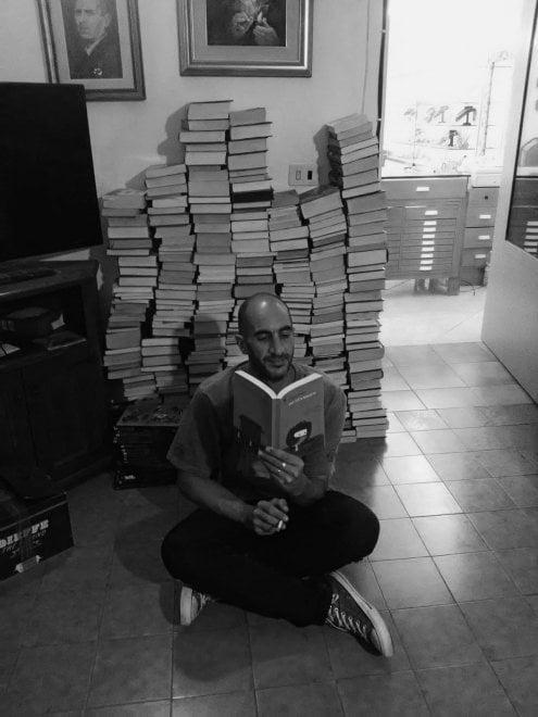 """Ischia, il gesto di Alessandro: """"Offro i miei libri e i miei cd per aiutare poveri e terremotati"""""""