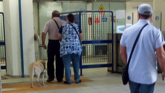L'odissea di due non vedenti per raggiungere la stazione del Centro direzionale